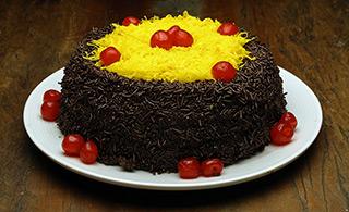 Torta de Brigadeiro com Fios de Ovos