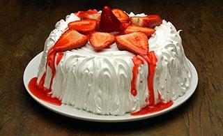 Torta de Morango com Marshmallow